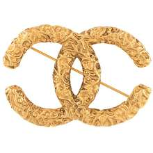 CHANEL Pre Owned 1993 Textured Cc Brooch Gold