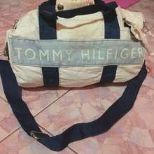 Tommy Hilfiger Bag Bundle (Like pictures, Like picture 2)
